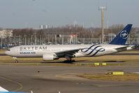 HL7733 @ EHAM - Korean Airlines - by Chris Hall