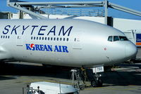 HL7733 @ EHAM - Korean Airlines - by Chris Hall