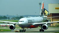 VH-EBS @ SIN - Jetstar Airways - by tukun59@AbahAtok