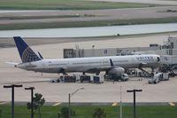 N57862 @ MCO - United 757-300