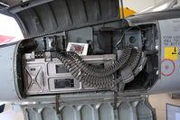 66-9207 - F-5A gun bay - by olivier Cortot