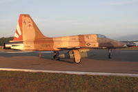 761585 @ LAL - 761585 (AF-115), Northrop F-5N Tiger II, c/n: L1060/1153 at dawn during 2012 Sun N Fun