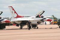 87-0319 @ FFD - Thunderbirds on the flight line at Royal International Air Tattoo 2007 - by Steve Staunton