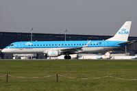 PH-EZL @ LOWW - KLM Cityhopper Vienna to Amsterdam - by Loetsch Andreas