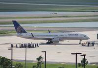 N29124 @ MCO - United 757