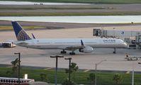 N75854 @ MCO - United 757-300