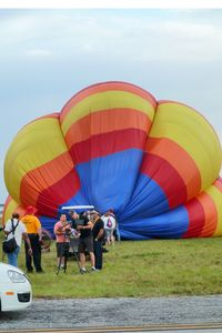 N41311 @ LAL - The wind was too strong to allow the full inflation and mass take-off of the balloons at 2012 Sun n Fun