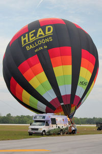 N3094H @ LAL - The wind was too strong to allow the full inflation and mass take-off of the balloons at 2012 Sun n Fun