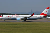 OE-LAW @ VIE - Austrian Airlines