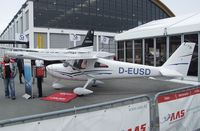 D-EUSD @ EDNY - Cessna 162 Skycatcher at the AERO 2012, Friedrichshafen - by Ingo Warnecke