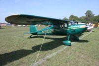 N2102N @ LAL - Cessna 140