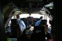 N50217 @ KLAX - 747-8 cockpit