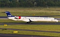 OY-KFE @ EDDL - taxying to the active