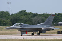 86-0229 @ NFW - 301st Fighter Wing F-16 at NASJRB Fort Worth - by Zane Adams