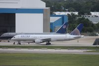 N537UA @ TPA - United 757