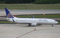 N37290 @ TPA - United 737-800