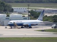 N647UA @ TPA - United 767-300