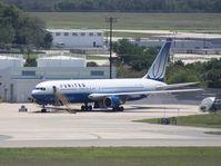 N647UA @ TPA - United 767-300