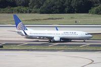 N76502 @ TPA - United 737-800