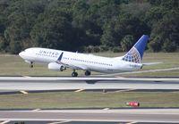 N76502 @ TPA - United 737