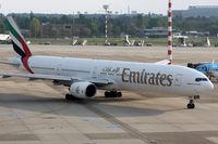 A6-EMT @ EDDL - UAE056 Dusseldorf to Dubai (DUB) - by Loetsch Andreas