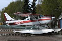 N2457U @ LHD - Cessna 206