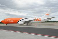 OO-TNP @ LHBP - TNT Boeing 737-400