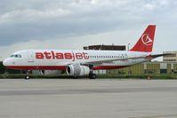 OE-IBE @ LHBP - Atlas Air Airbus 320