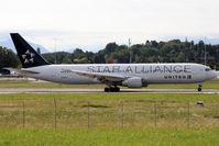 N653UA @ LSGG - Take off in 23