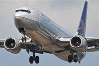 N75429 @ KORD - United Boeing 737-924ER, UAL1679 arriving from San Diego/KSAN, RWY 28 approach KORD.