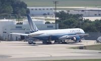 N655UA @ TPA - United 767