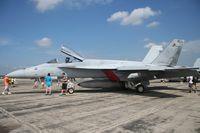 165663 @ YIP - Super Hornet