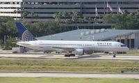 N580UA @ TPA - United 757