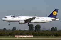 D-AIQB @ EDDL - Lufthansa D-AIQB Bielefeld short finals Rwy23L at DUS - by Thomas M. Spitzner