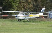 N8852G @ 2J8 - Cessna 150F