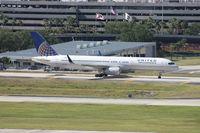 N17133 @ TPA - United 757