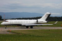 HB-JRS @ LSGG - Taxiing