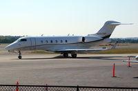 N987HP @ KPDK - Bombardier Challenger 300 [20069] Atlanta-Dekalb Peachtree~N 21/04/2010