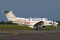 OO-ASL @ EBAW - Beech B200C Super King Air [BL-49] Antwerp-Deurne~OO 11/08/2010 - by Ray Barber