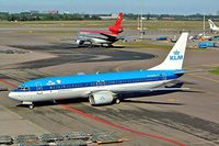 PH-BXG @ EHAM - Boeing 737-8K2 [30357] (KLM Royal Dutch Airlines) Schiphol~PH 13/09/2003 - by Ray Barber