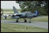 520 @ EBBE - 33-FD code this time, with invasion stripes for the normandy anniversary (2004) - by olivier Cortot
