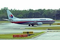 9M-MMG @ WSSS - Boeing 737-4H6 [26467] (Malaysia Airlines) Singapore-Changi~9V 27/10/2006 - by Ray Barber