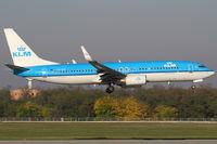 PH-BXI @ BUD - KLM - Royal Dutch Airlines - by Joker767