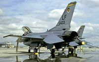 85-1433 @ KLUF - flightline at Luke AFB - by Friedrich Becker