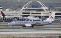 N831NN @ KLAX - Boeing 737-800 - by Mark Pasqualino