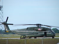 165252 @ KSRQ - HMX-1 Support Helo on the tarmac at Sarasota-Bradenton International Airport - by Jim Donten