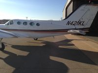 N421KL @ RVS - At RVS being push back to the hanger - by Joe
