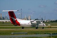 VH-SDE @ YBBN - DHC-8Q-202 Dash 8 [453] (QANTASlink) Brisbane-International~VH 18/03/2007