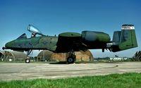 82-0657 @ EGVJ - flightline at RAF Bentwaters