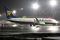 EI-DWB @ EPKK - Ryanair